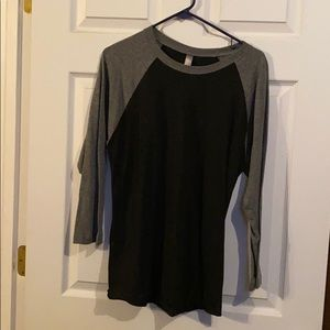 Black/gray shirt